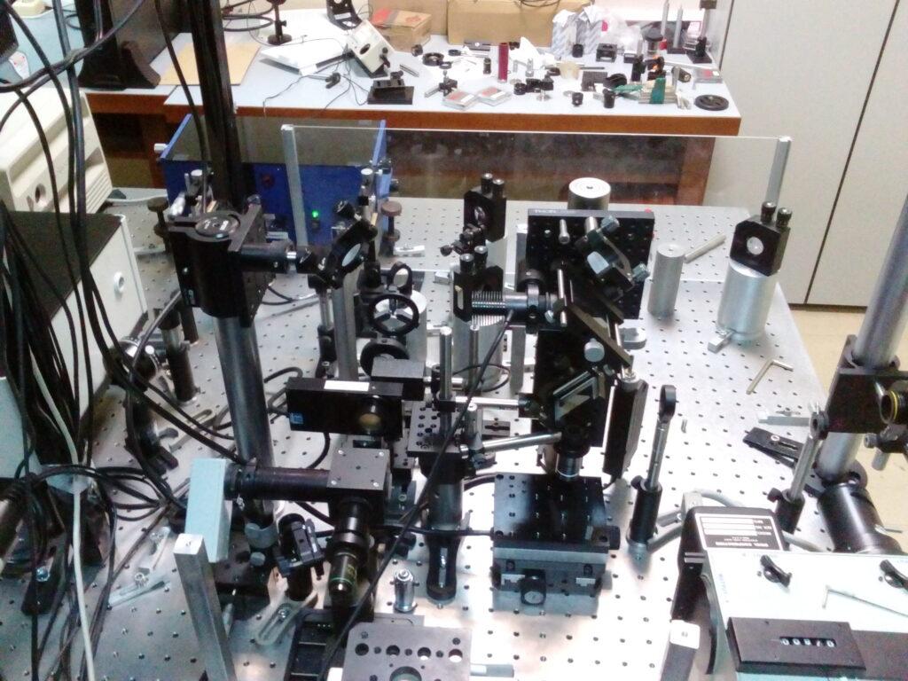 The two-photon microfabrication (nanopatterning) set-up